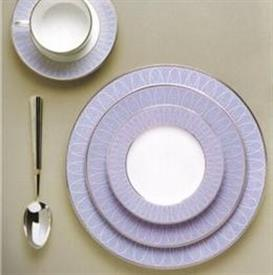 allure_bleu_china_dinnerware_by_haviland.jpeg