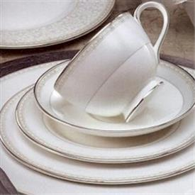 anabel_china_dinnerware_by_royal_doulton.jpeg