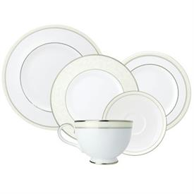 anthea_china_dinnerware_by_royal_doulton.jpeg