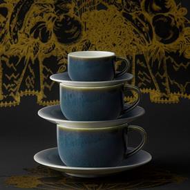 art_glaze_pressed_mulberr_china_dinnerware_by_royal_crown_derby.jpeg