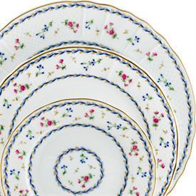 artois_bleu_china_dinnerware_by_bernardaud.jpeg