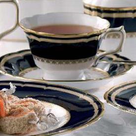ashbourne_royal_crown_der_china_dinnerware_by_royal_crown_derby.jpeg