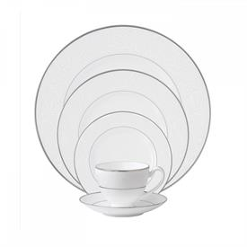 baron's_court_china_dinnerware_by_waterford.jpeg