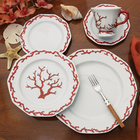 barriera_corallina_red_china_dinnerware_by_mottahedeh.png