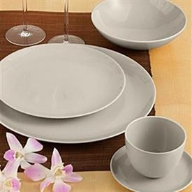 basso_ceylon_china_china_dinnerware_by_calvin_klein.jpeg