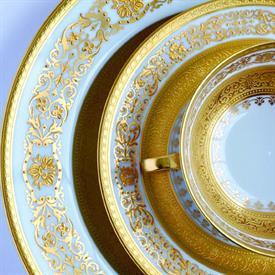 beaugency_gold_china_dinnerware_by_bernardaud.jpeg