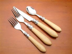 beech_nut_faux_wood_stainless_flatware_by_oneida.jpg