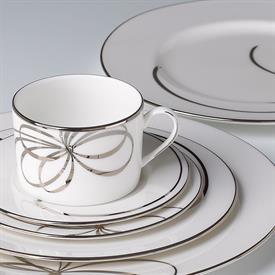 belle_boulevard_china_china_dinnerware_by_kate_spade.jpeg
