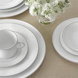 blanc_sur_blanc_china_dinnerware_by_vera_wang_wedgwood.jpeg