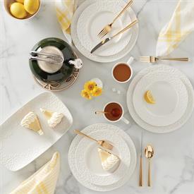 blossom_lane_china_china_dinnerware_by_kate_spade.jpeg