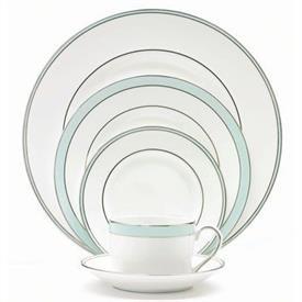 blue_duchesse_china_dinnerware_by_vera_wang_wedgwood.jpeg