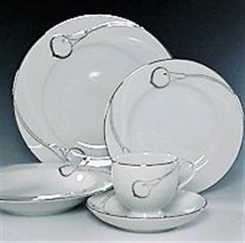candlelight_silver_china_dinnerware_by_mikasa.jpeg