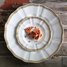 carlton_gold_china_dinnerware_by_royal_crown_derby.jpeg