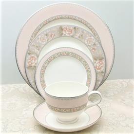 castine_china_dinnerware_by_noritake.jpeg