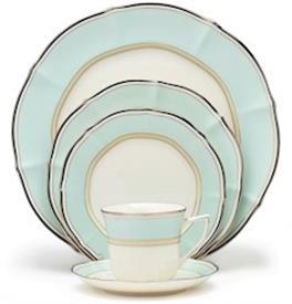centura_green_china_dinnerware_by_noritake.jpeg