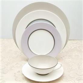 chromatic_china_china_dinnerware_by_calvin_klein.jpeg