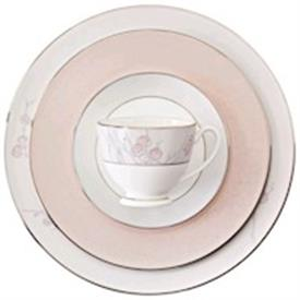 chrysanthemum_waterford_china_dinnerware_by_waterford.jpeg