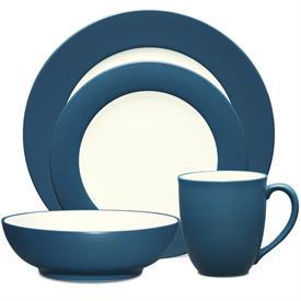 colorwave_blue__8484_china_dinnerware_by_noritake.jpeg