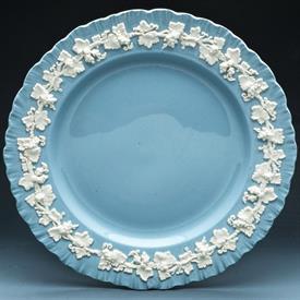cream_on_lavender__shell__china_dinnerware_by_wedgwood.jpeg