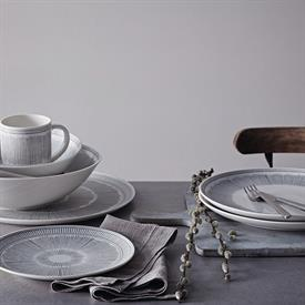 ed_charcoal_lines_china_dinnerware_by_royal_doulton.jpeg