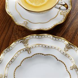 elizabeth_gold_china_dinnerware_by_royal_crown_derby.jpeg