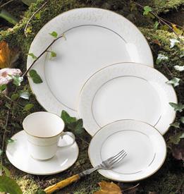 embrace_pickard_china_dinnerware_by_pickard.jpeg