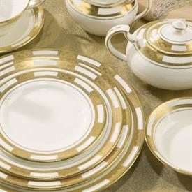 empress_white_gold_china_dinnerware_by_aynsley.jpeg