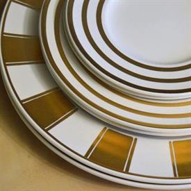 fifth_avenue_china_dinnerware_by_mikasa.jpeg
