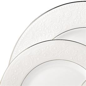 floral_veil_china_dinnerware_by_lenox.jpeg