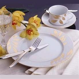 gold_leaf_white_china_dinnerware_by_mikasa.jpeg