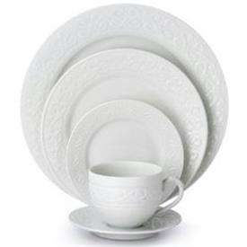 grafton's_gate_china_dinnerware_by_waterford.jpeg