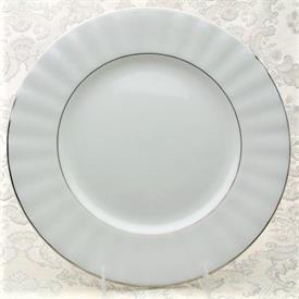 grand_manor_platinum_china_dinnerware_by_gorham.jpeg