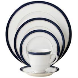 howard_cobalt_china_dinnerware_by_royal_worcester.jpeg