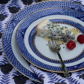 indigo_wave_china_dinnerware_by_mottahedeh.jpeg