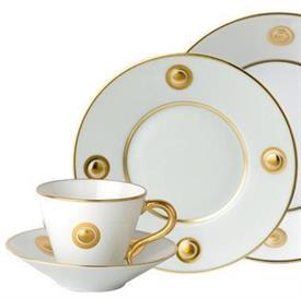ithaque_gold_china_dinnerware_by_bernardaud.jpeg