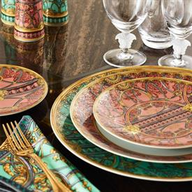 la_scala_del_palazzo_rosa_china_dinnerware_by_versace.jpeg