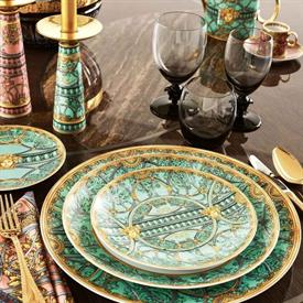la_scala_del_palazzo_verde_china_dinnerware_by_versace.jpeg