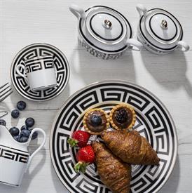 labirinto_nero_china_dinnerware_by_richard_ginori.jpeg