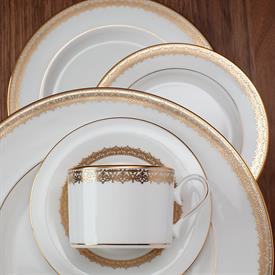 lace_couture_gold_china_dinnerware_by_lenox.jpeg