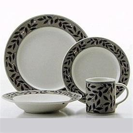 laurel_wreath_china_dinnerware_by_mikasa.jpeg
