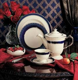 lincoln_pickard_china_dinnerware_by_pickard.jpeg