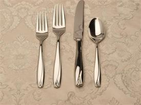 lisette_stainless_stainless_flatware_by_waterford.jpg