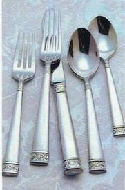 lismore_nouveau_stainless_stainless_flatware_by_waterford.jpg