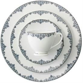 malay_china_dinnerware_by_waterford.jpeg