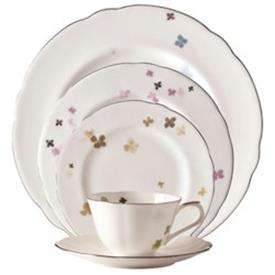 marc_jacobs_elizabeth_china_dinnerware_by_waterford.jpeg