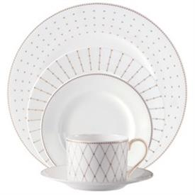 marc_jacobs_jean_china_dinnerware_by_waterford.jpeg