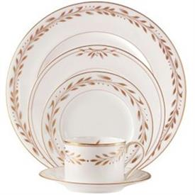 marc_jacobs_misia_china_dinnerware_by_waterford.jpeg