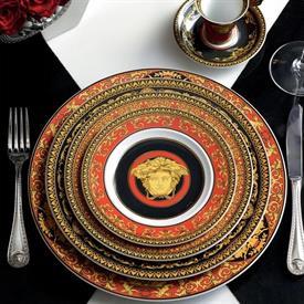 medusa_red_china_dinnerware_by_versace.jpeg