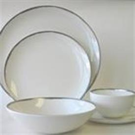 metallic_basso_platinum_china_dinnerware_by_calvin_klein.jpeg