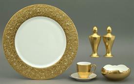metropolitan_gold_china_dinnerware_by_pickard.jpeg